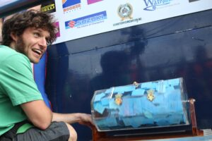 Guy Martin doing new Suzuki bike draw in 2013. 1mTStevensonFoto52