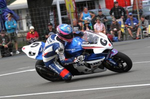 Guy Martin on Suzuki GSXR1000 at Wanganui. 1mTStevenson.Foto 739