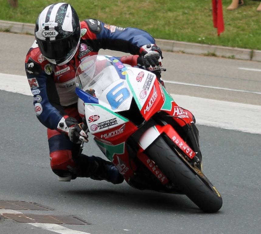 11 Times TT Winner Michael Dunlop To Be Yamaha Mounted At TT 2015