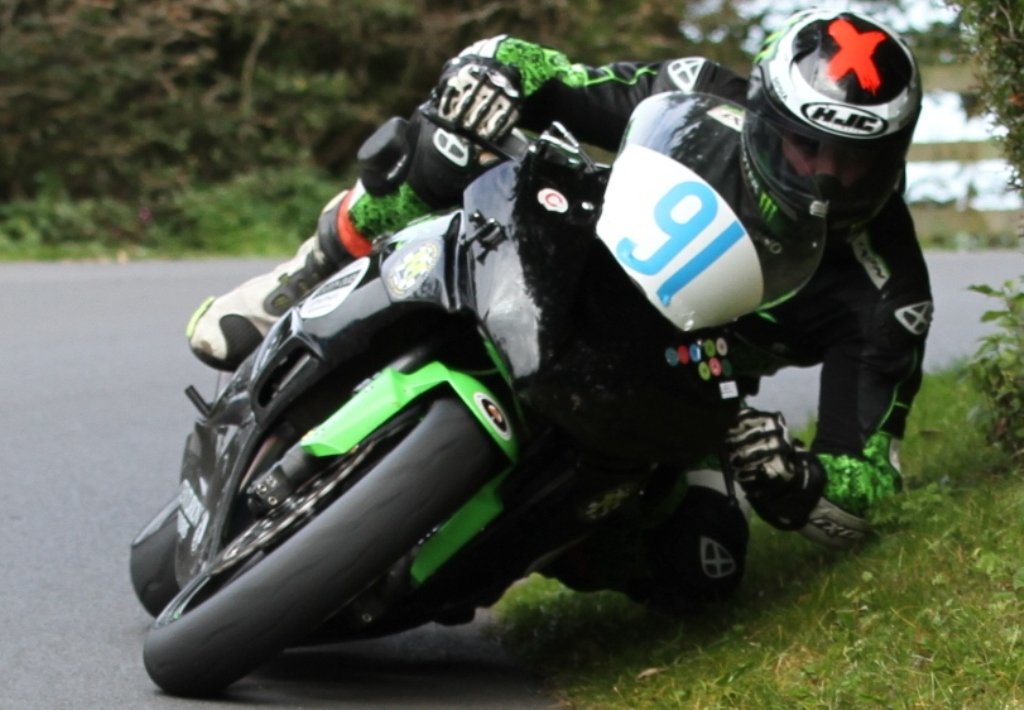 reigning super twins manx grand prix winner targets strong tt races campaign road racing news. Black Bedroom Furniture Sets. Home Design Ideas