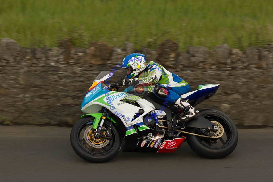 Southern 100 – Dean Harrison Victorious In An Enthralling Opening Supersport Race