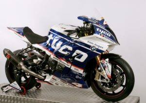 3/4 FRONT 2017 TYCO BMW