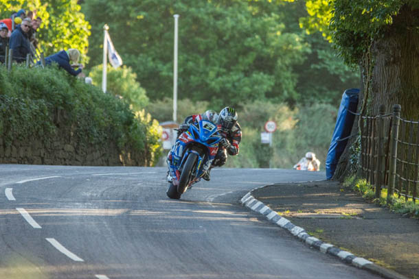 TT 2017: Michael Dunlop Happy With Bennetts Suzuki Following Tuesday Evening's Practice Session