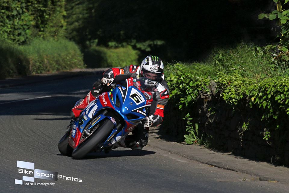 TT 2017: Saturday Practice – Gripping Superbike Race In Store Following Qualifying Heroics