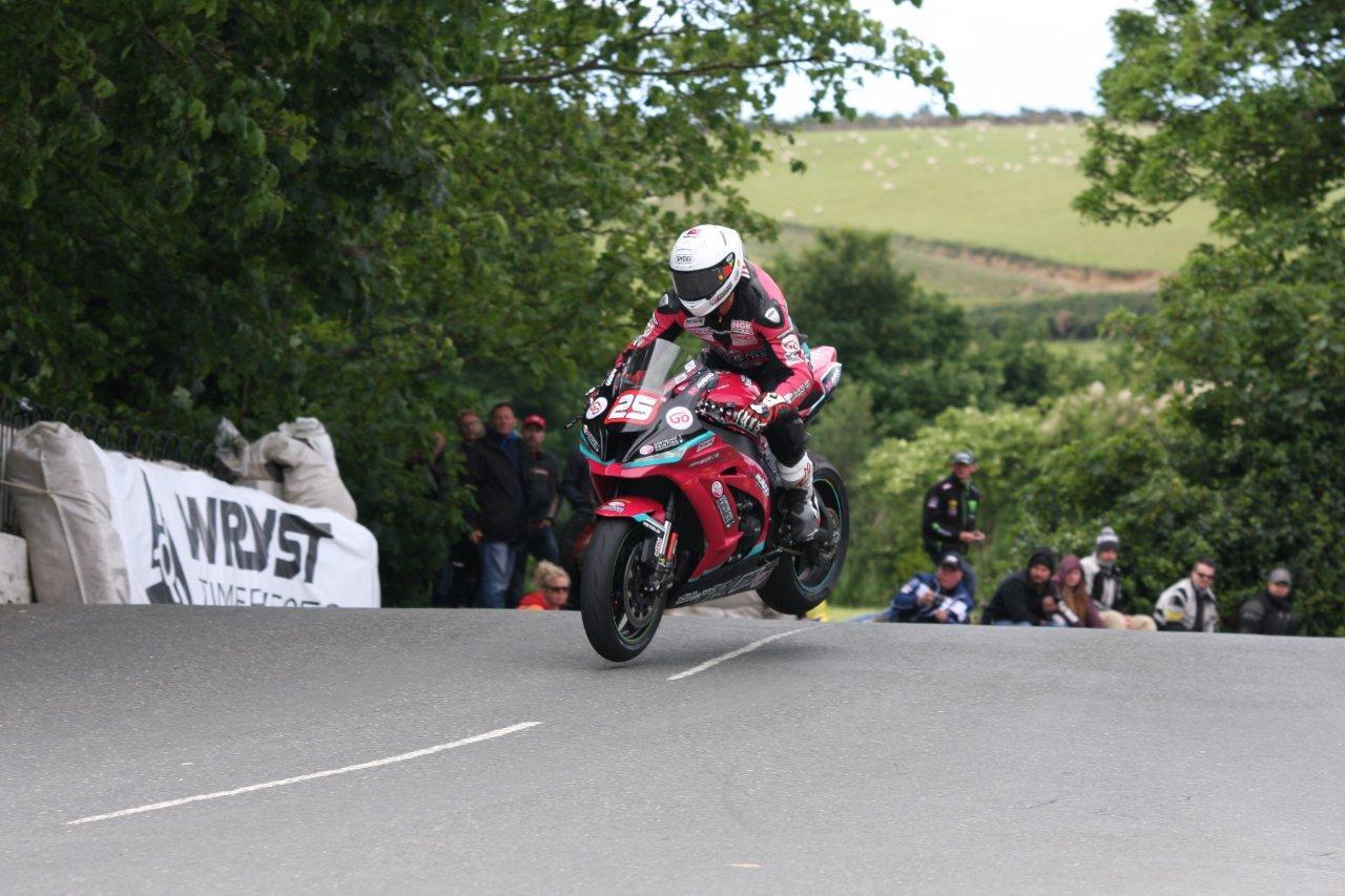TT 2017: Solid TT For James Cowton And McAdoo Kawasaki