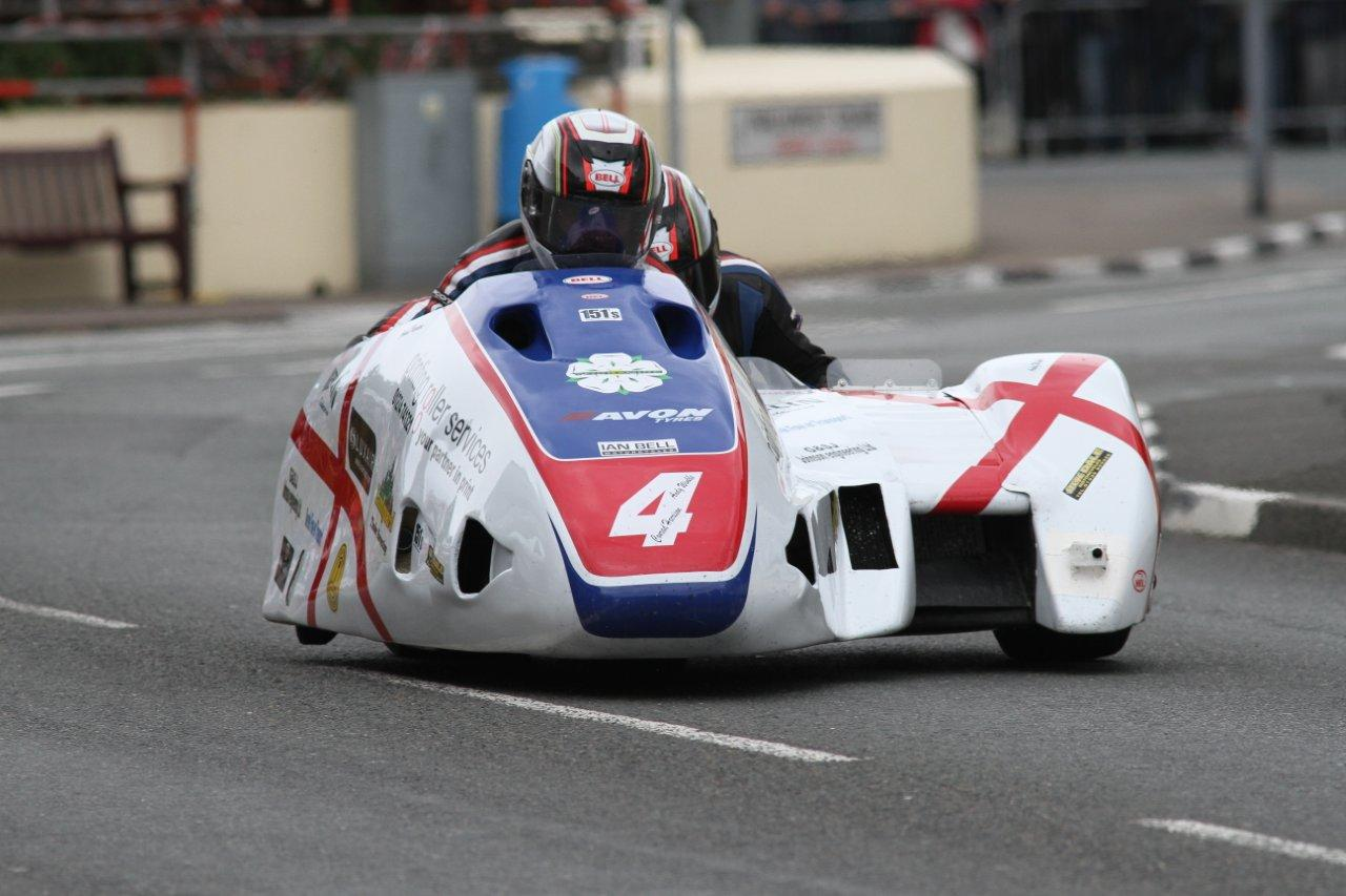 Tight At The Top Within UK Super 2 Sidecar Masters Series