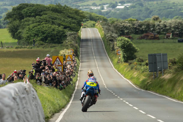 TT 2017: RST Superbike Race – Live Updates
