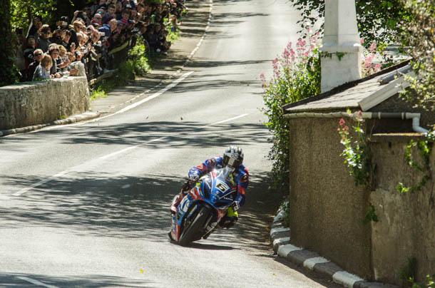 TT 2017: Frustrating Start To Race Week For Bennetts Suzuki