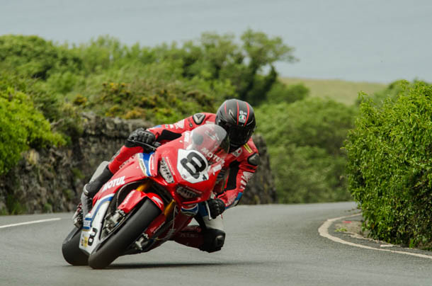 TT 2017: Friday Schedule Delayed By An Hour