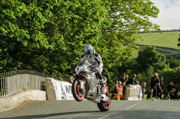 TT 2017: Superbike Sunday/Race Week Schedule Changes Confirmed Following Practice Problems