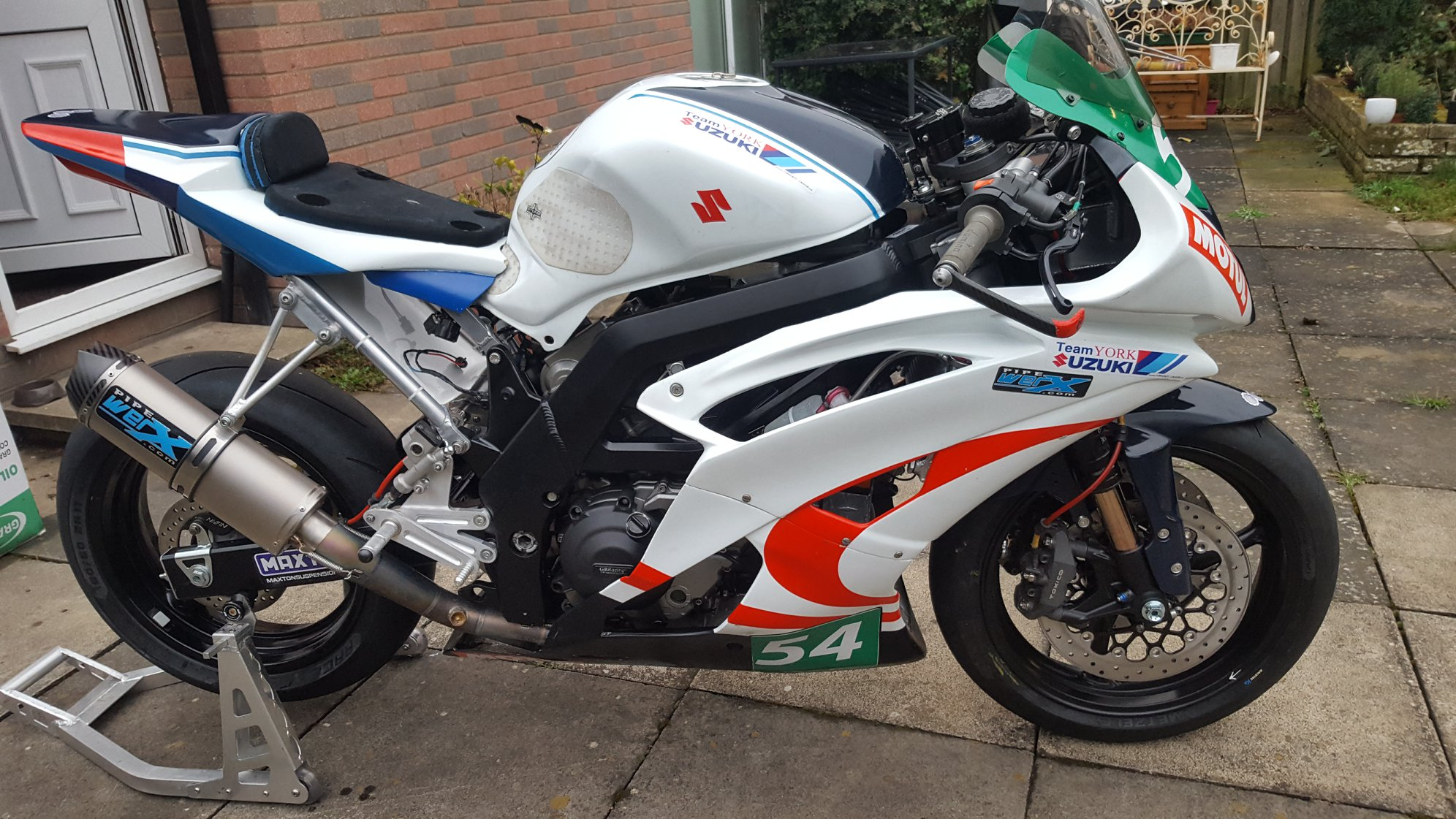 Team York Suzuki Unveil Super Twins Manx GP Project – Road Racing