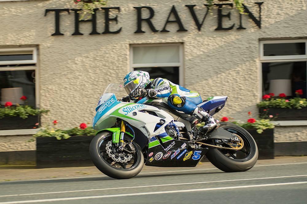 TT 2018: Relentless Harrison Powers To 2nd TT Glory In Second Monster Energy Supersport Race