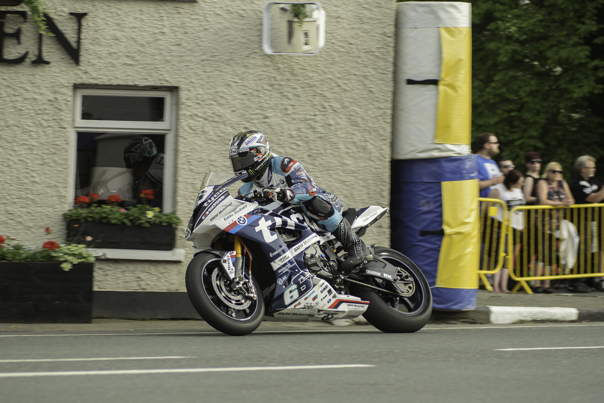 TT 2018: Near 133 Mph Lap Takes Tyco BMW's Dunlop To Top Of Friday's Time Sheets