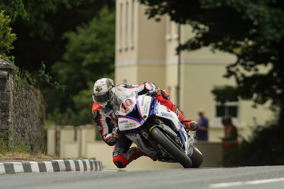 Hickman Looking Forward To Superbike Battle Royals At The MCE Insurance Ulster Grand Prix