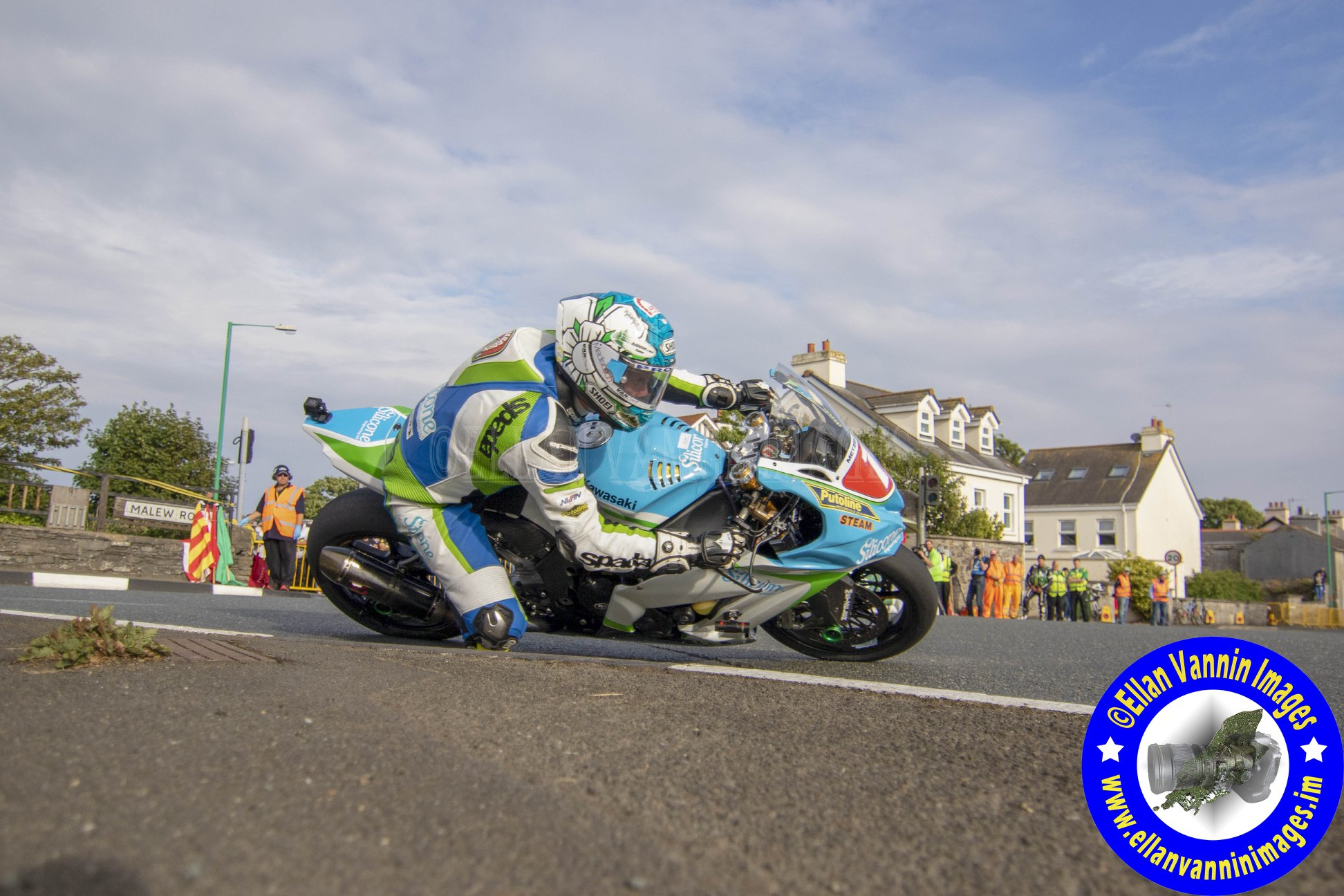 Southern 100: Harrison Completes Quadruple Of Victories With Resounding Island Aggregates Superbike Success