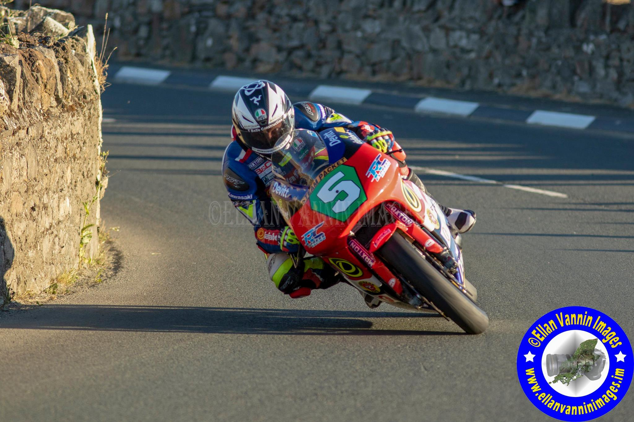 Southern 100: Relentless Lintin Takes Opening Super Twins Race