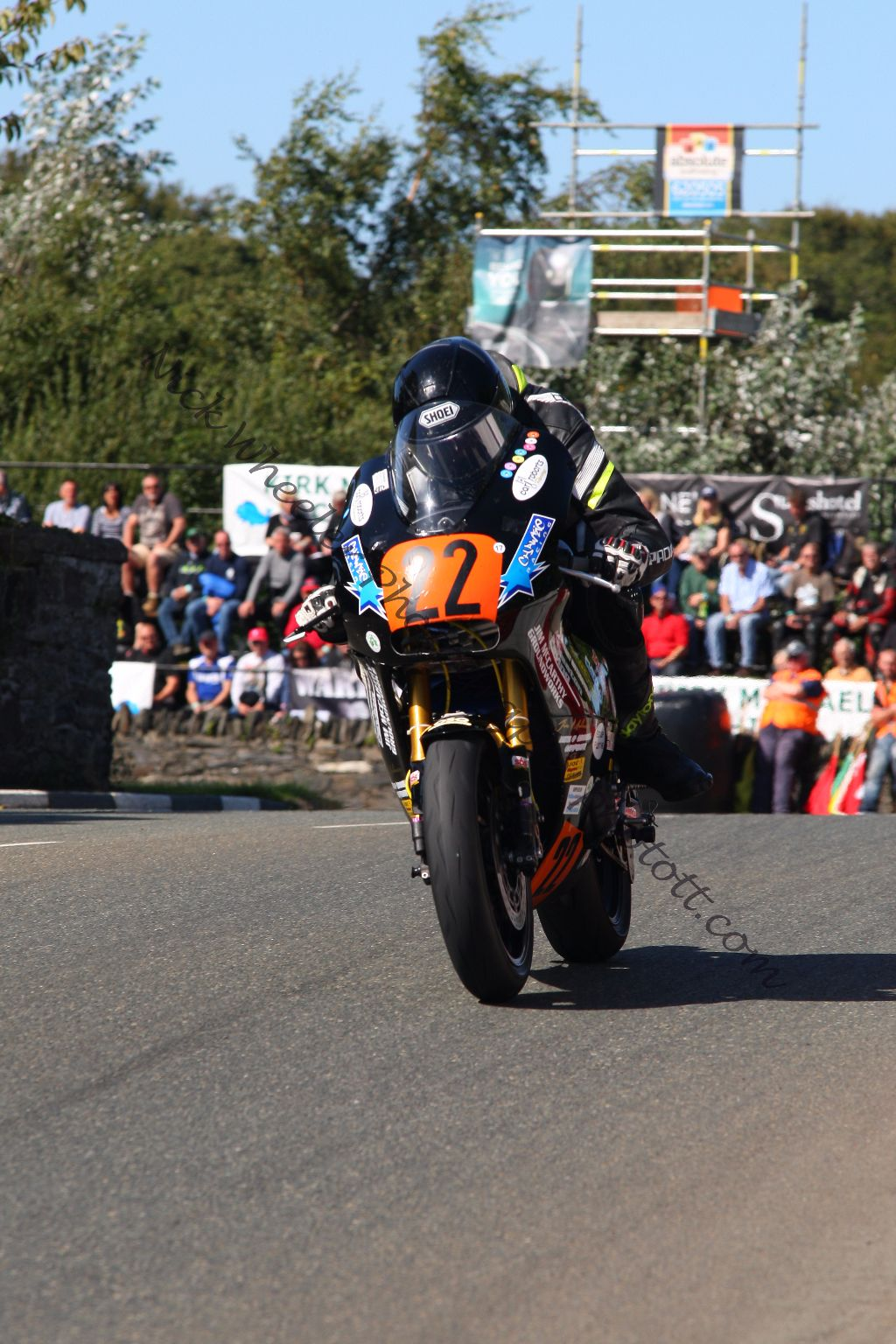 Marquee Twins Mount For Rising Star Chawke At 2018 Manx Grand Prix