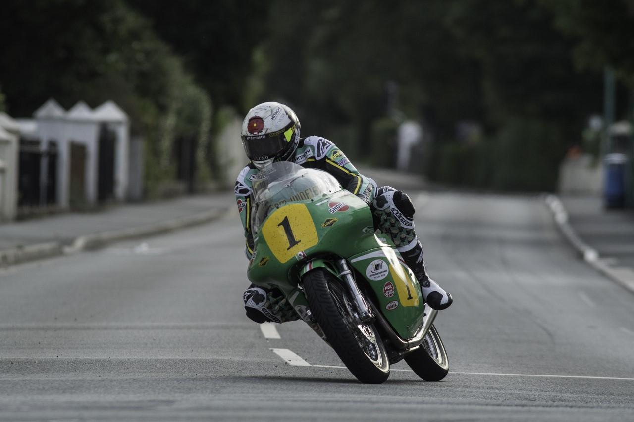 Classic TT: Thursday Evening Practice Report