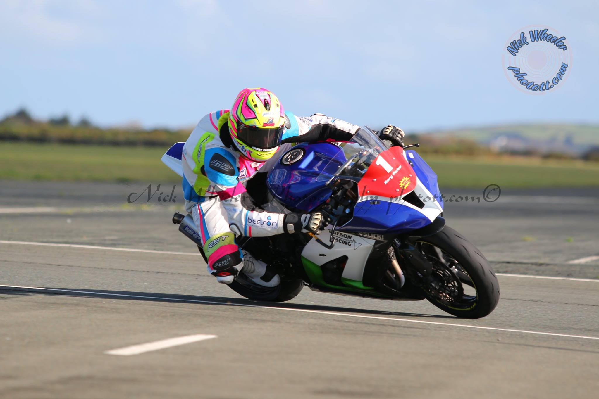 Improving Mountain Course Exponent Neve Powers To Jurby Four Hour Endurance Crown