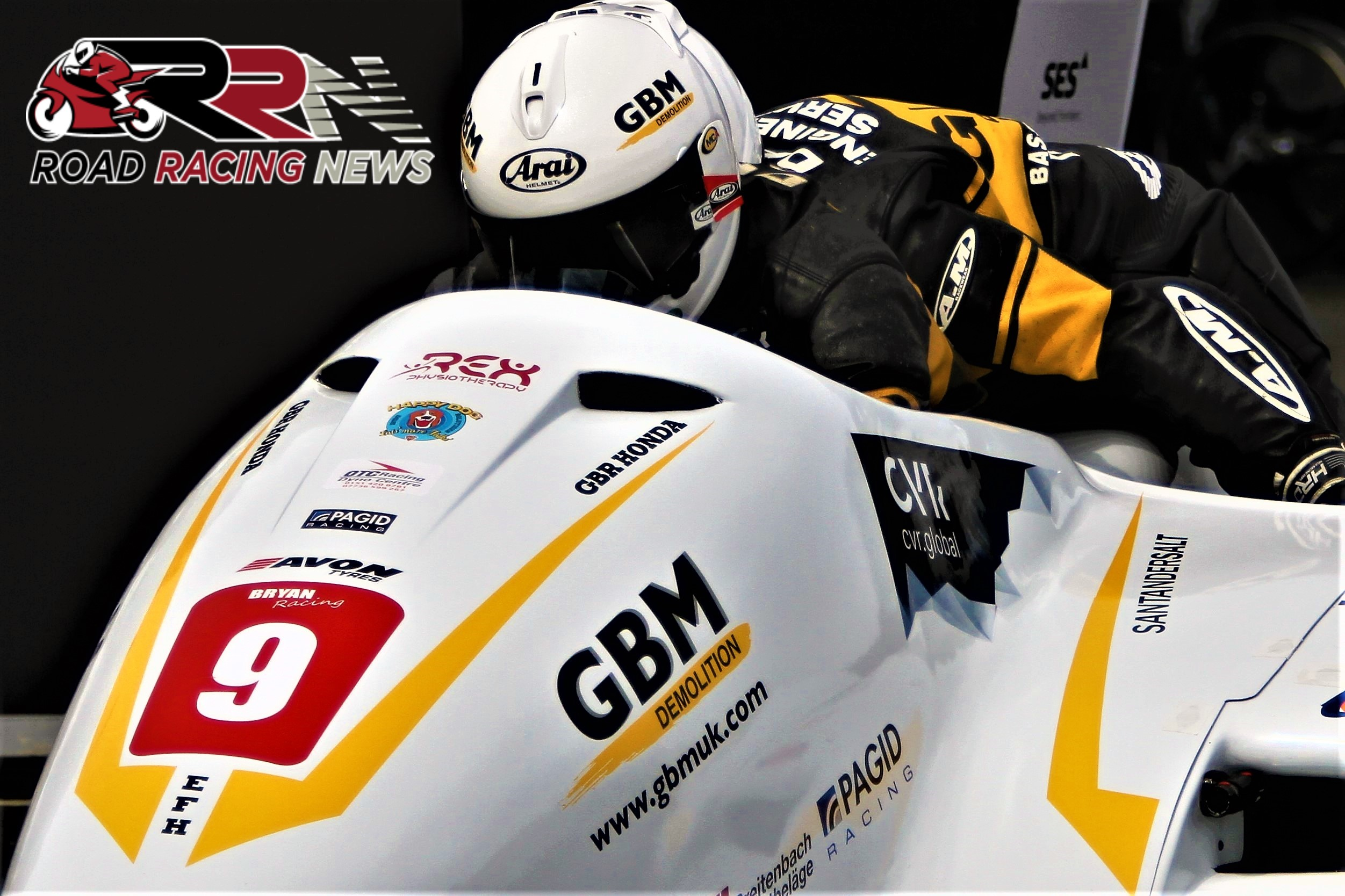Cemetery Circuit Races: Bryan/Hyde Dominate F1/F2 Sidecar Encounters