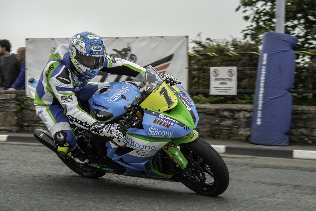 Southern 100: Harrison Holds Off PreZ Racing's Coward To Acquire Supersport Qualifying Success