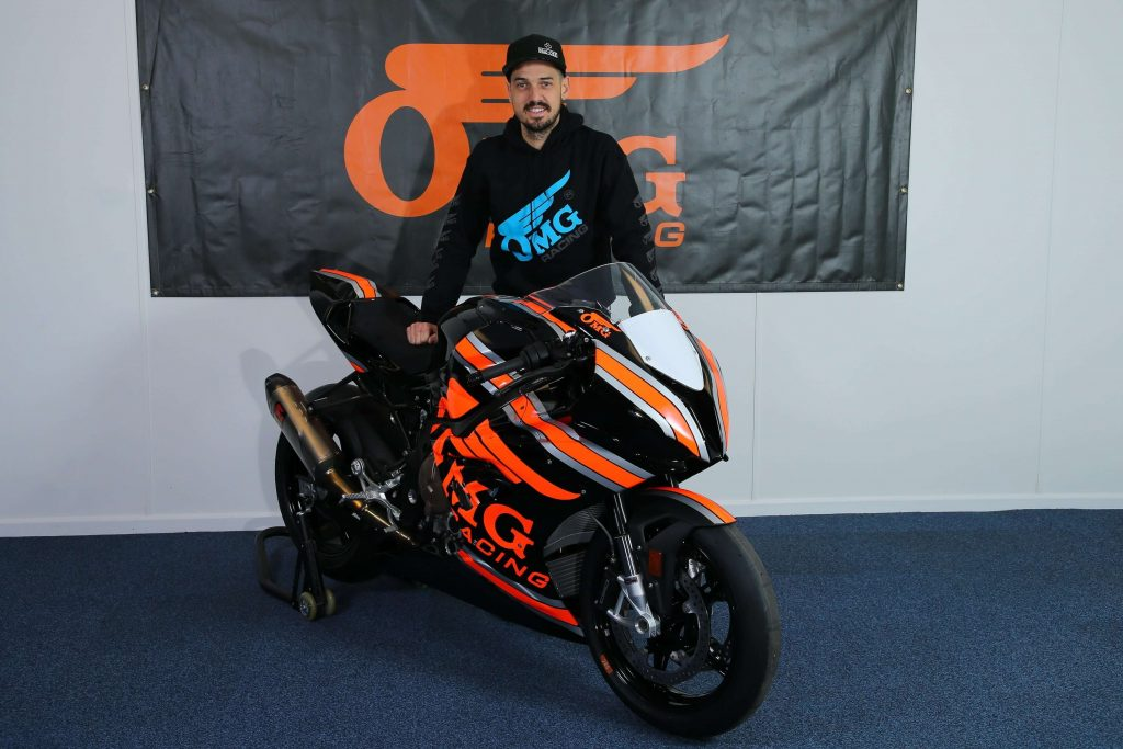 Hillier Remains With Rich Energy OMG Racing Squad, Set For Dakar Challenge