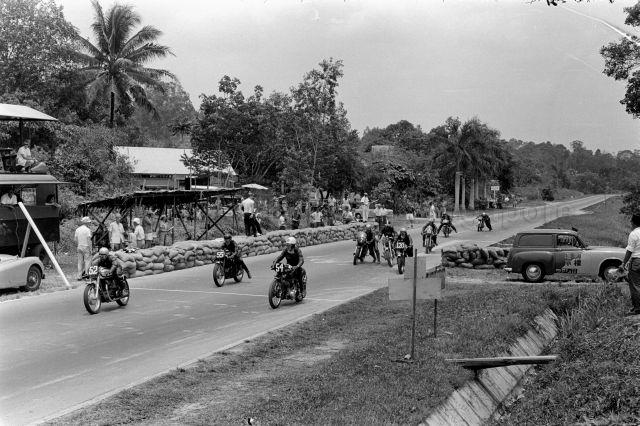 Alphabet Road Racing: T – Thomson Road