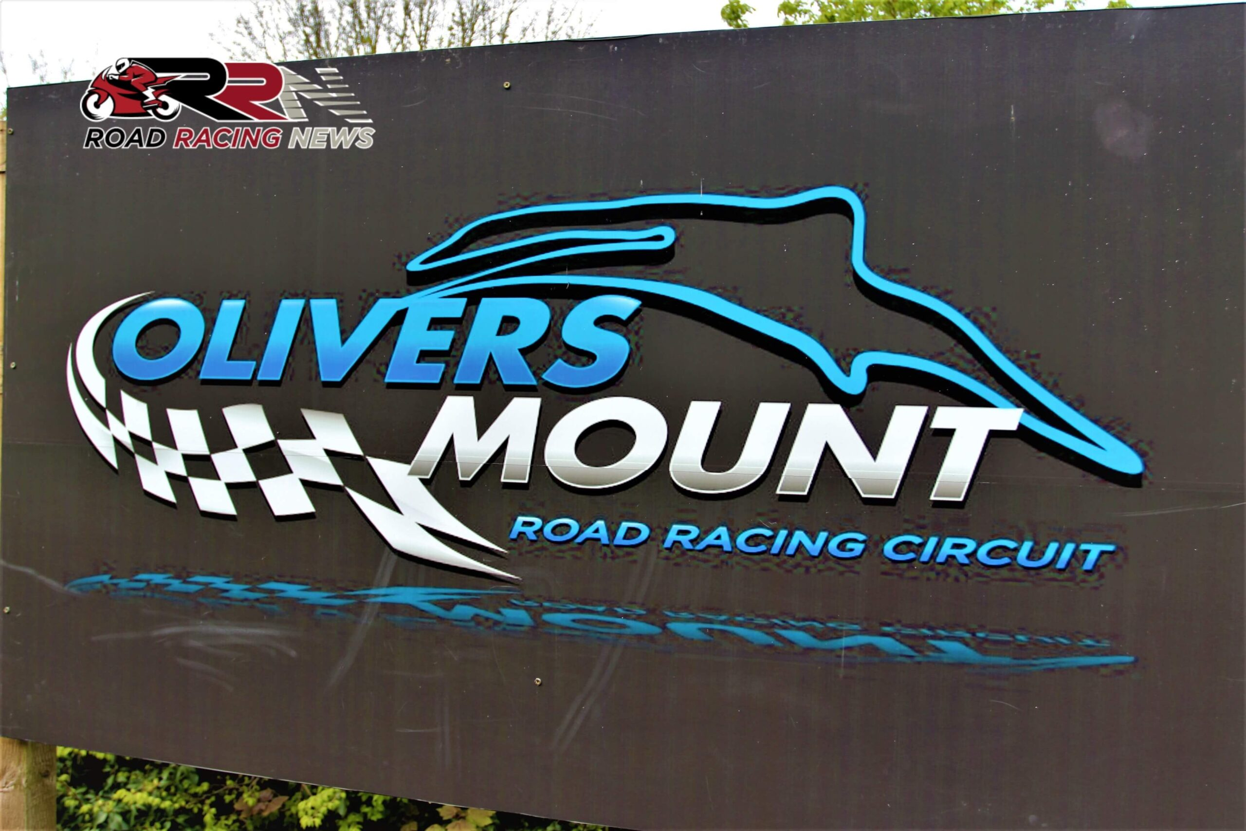 Prospective Scarborough Newcomers Take In Oliver's Mount For First Time