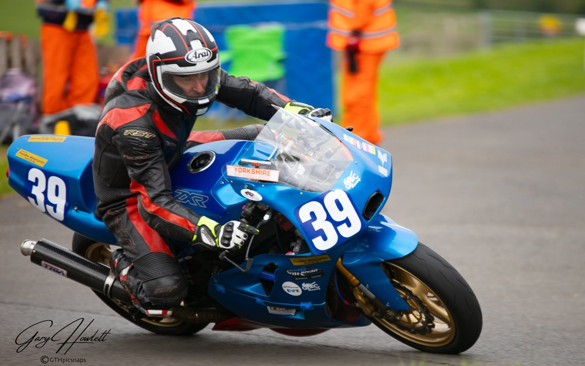 Diverse Group Of Racers Barry Sheene Classic Bound