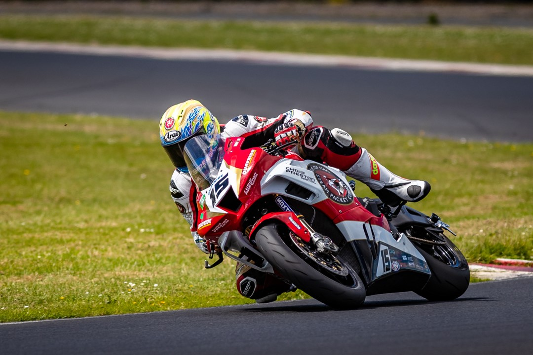 Road Racer's Adventures: No Limits Racing, Anglesey