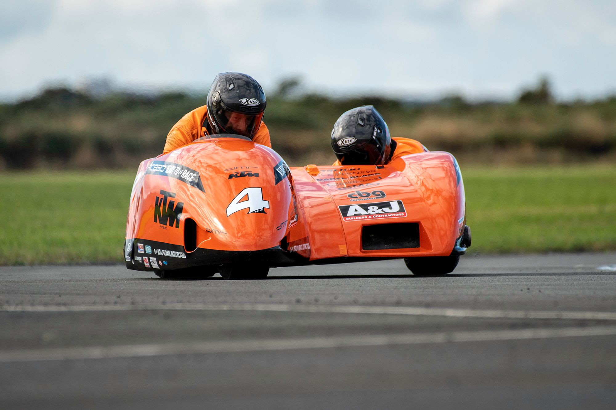 Molyneux/Sayle Clinch National Sidecar Title